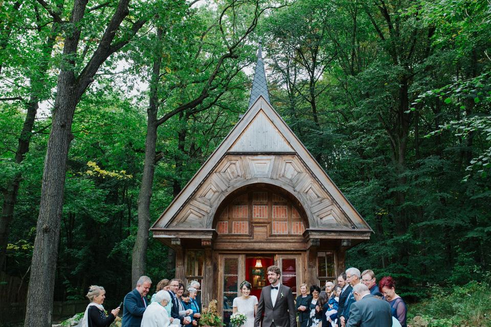 hochzeitsfotografie_waldhochzeit_chemnitz_hochzeitsreportage_zeißigwaldkapelle-1-11 Eine Waldhochzeit in Chemnitz- Zeisigwaldkapelle hochzeitsreportagen