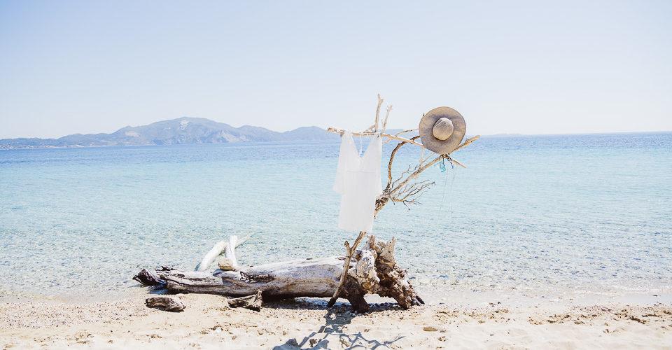 Hochzeitskleid am Strand